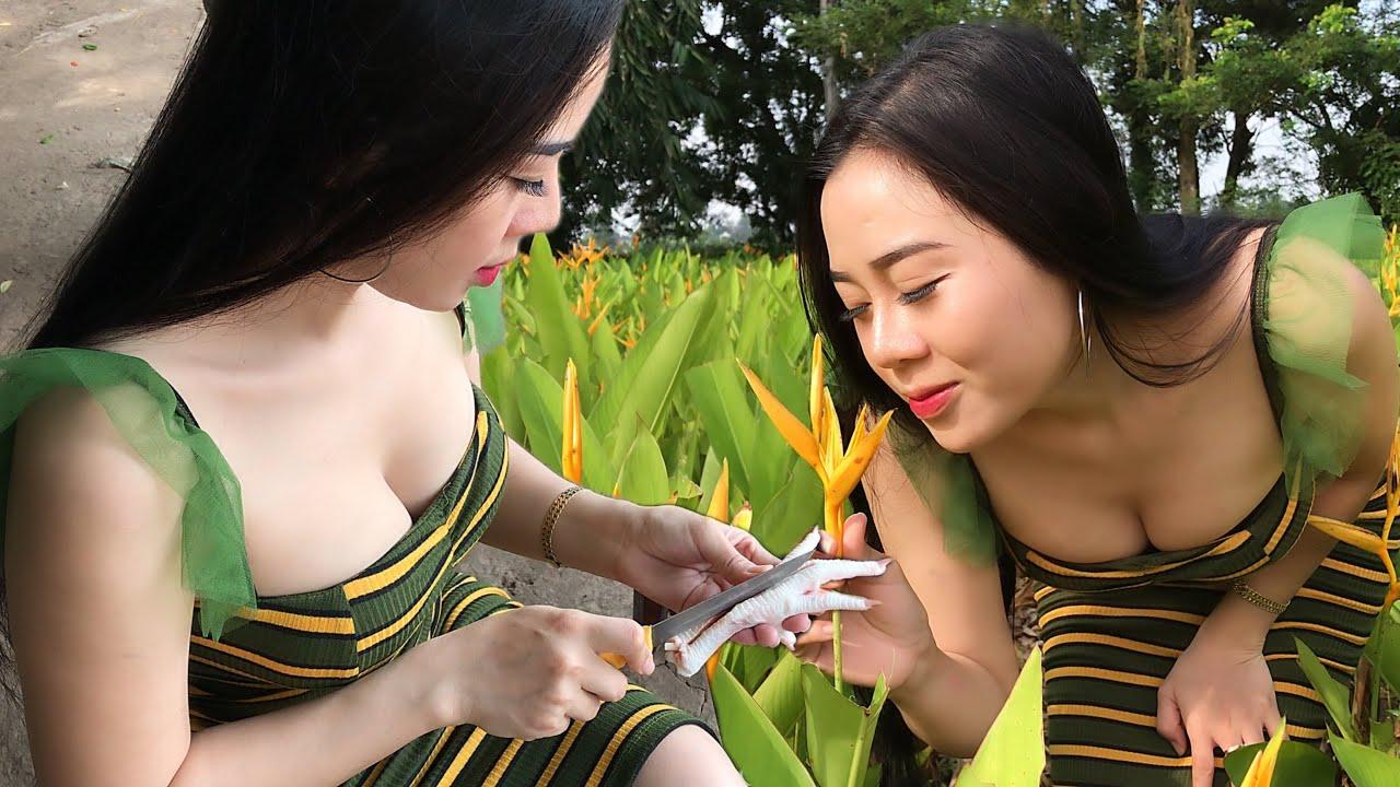 Yu Mi Life Style Show |Chicken feet salad with banana flowers | YuMi Daily Life