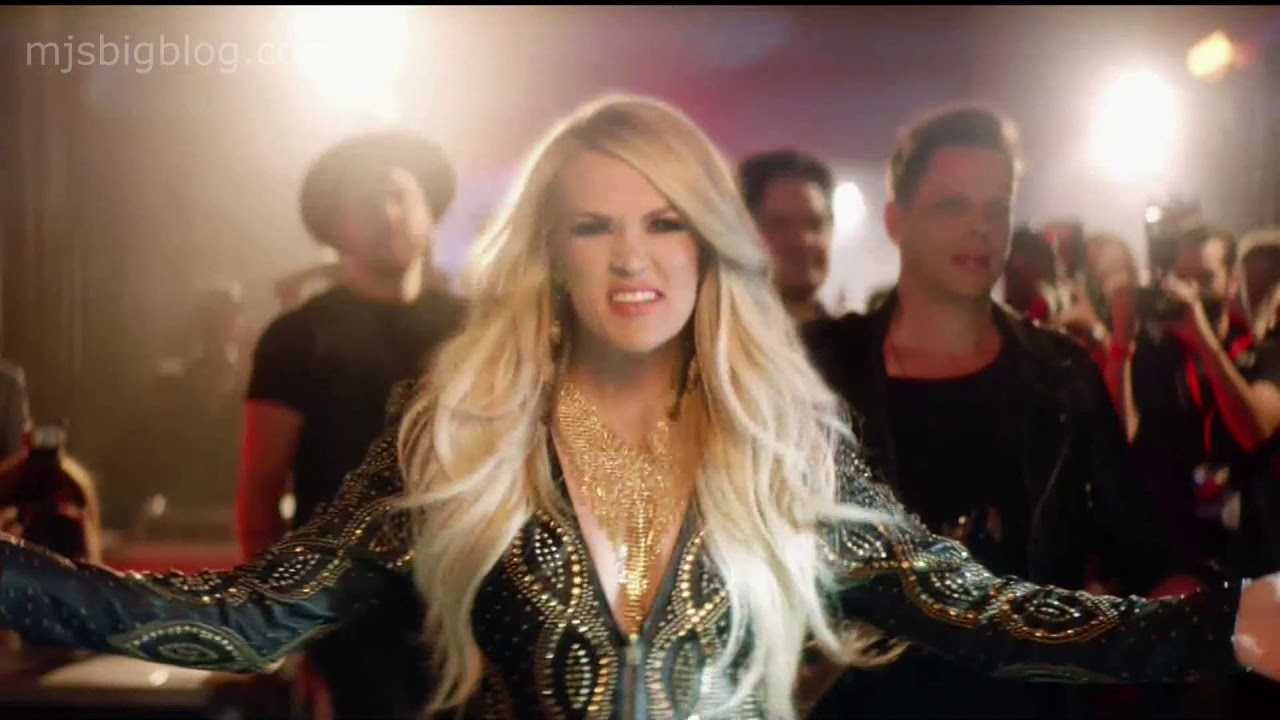 Watch Carrie Underwood & Joan Jett FULL Sunday Night