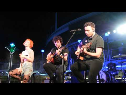 PARAHOY!: Paramore - Misguided Ghosts Live 3/9/14