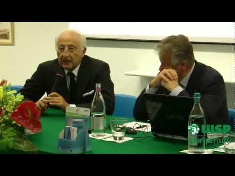 Il Ministro Gnudi in visita alla Uisp di Bologna