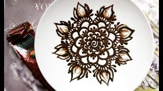 Роспись хной блюдца для кофе. Henna saucer for coffee