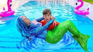 تحولت Senya ووالدته إلى حورية البحر