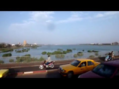 Ride through Bamako, Mali (Crossing Niger River Part 1)