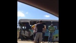 Ônibus bate de frente com caminhão na BR 267 próximo a Conceição do Rio Verde, MG