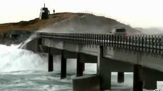 الجسر الذي يمر من فوق المحيط الاطلسي منظر مخيف و جميل !!