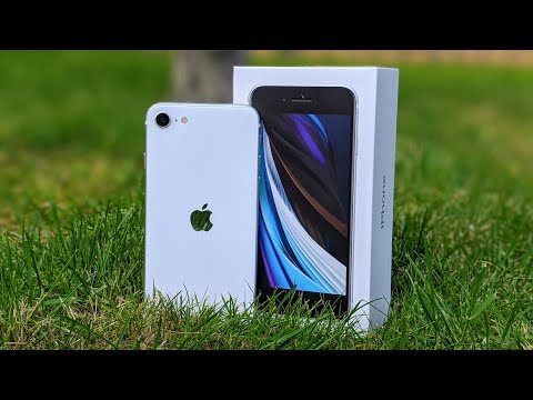 IPhone SE Unboxing And First Impressions