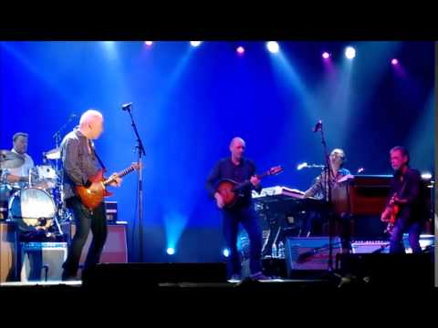 Mark Knopfler Telegraph road solo live
