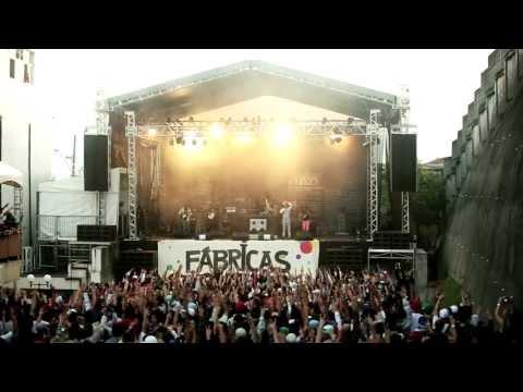 Emicida Part: Rael - Levanta E Anda (Web Video) - Live At Quebrada Z/N