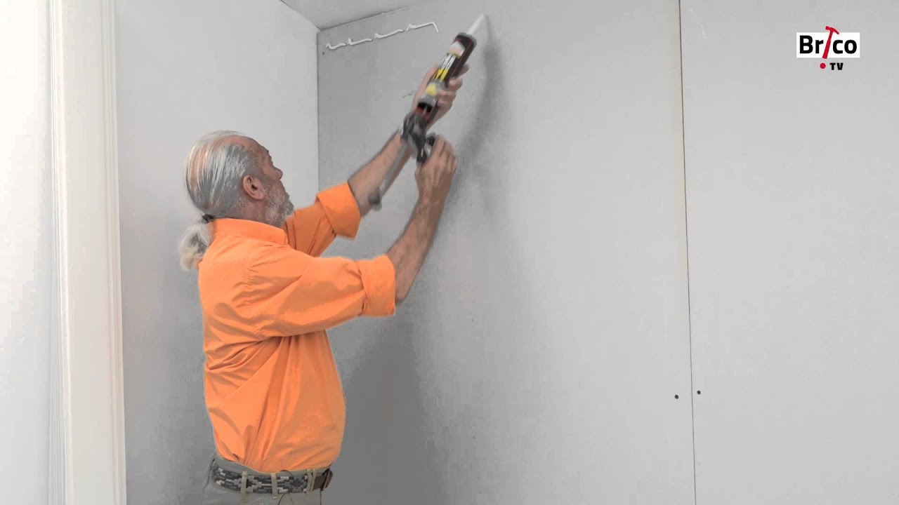 Coller du lambris PVC au mur - YouTube