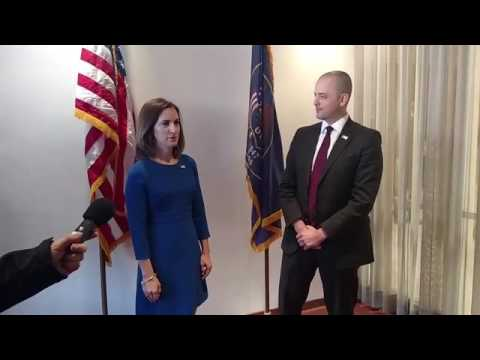 Independent presidential and vice presidential candidates Evan McMullin and Mindy Finn hold press co