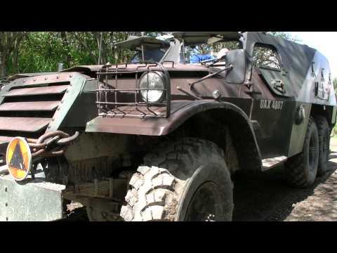 Zabytkowy radziecki transporter opancerzony BTR-152