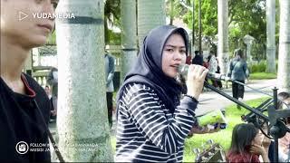 Tentang Rindu - Virza (Cover Musisi Jalanan Cantik Mahasiswi Bidadari UMM MALANG)