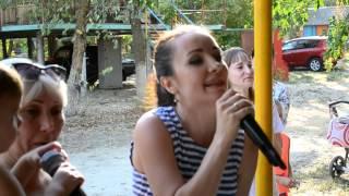 29.08.2015 Свадьба Карины и Максима. Сестра читает рэп.