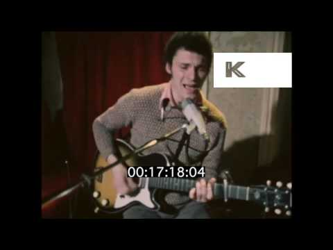 Early 1970s UK Blues Musician Duster Bennett Performs in Pub