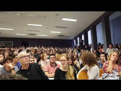 Un groupe antifasciste chahute Benoit Hamon à Nantes