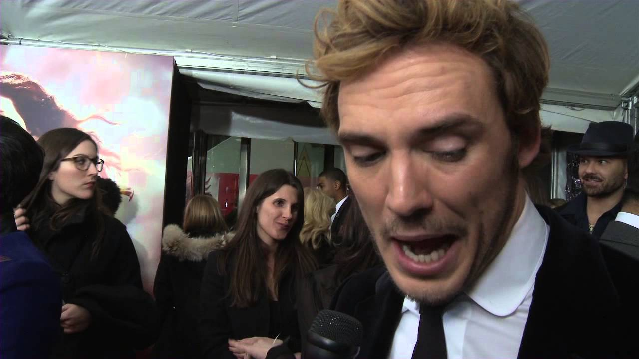 Sam Claflin interviewed at the 'Catching FIre' New York ...