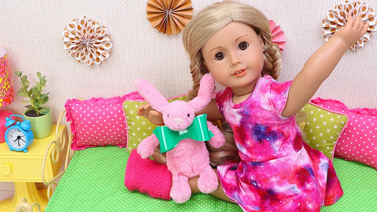 Doll plays with pink rabbit! Family fun routine with pets!
