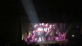 BLUE CHRISTMAS sung by the KING and MARTINA MCBRIDE at the RYMAN
