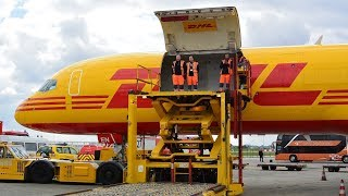 How to Offload a B757 Cargoplane | DHL Boeing 757F | D-ALEN | Luchtvaartdag 2017
