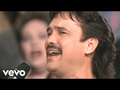 Bill & Gloria Gaither - Rise Again [Live] ft. Ivan Parker