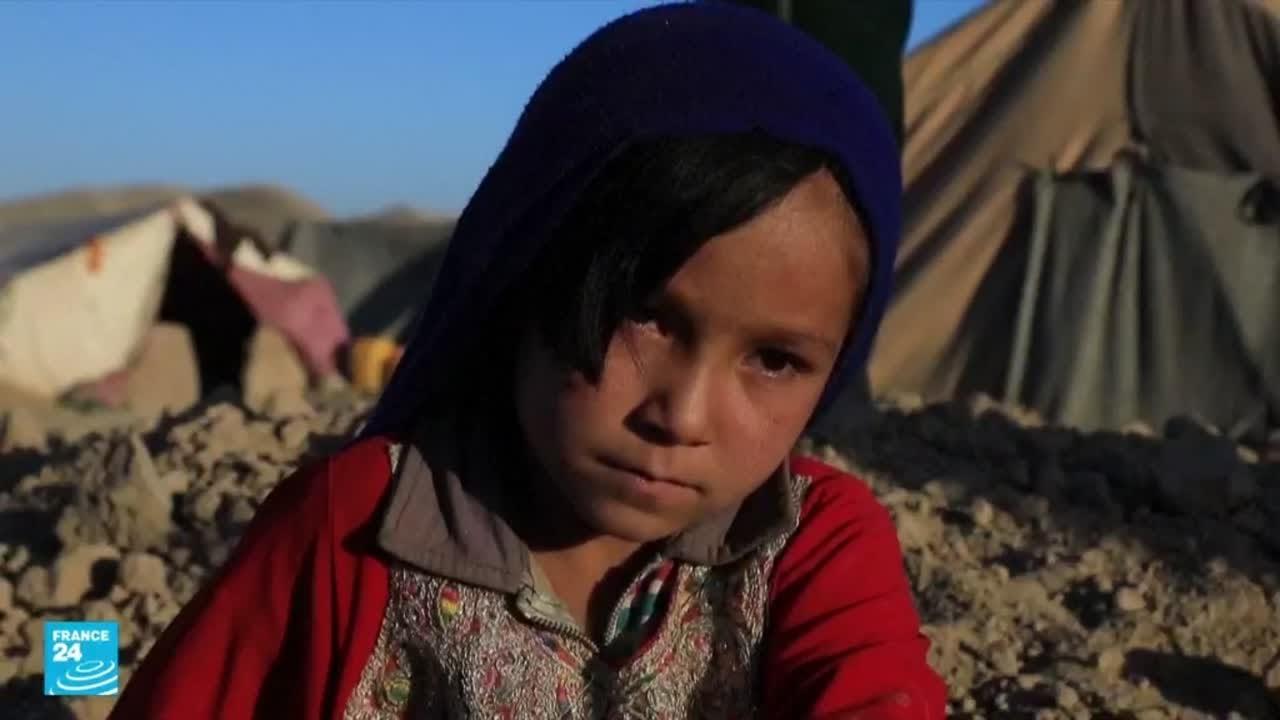 الفقر يدفع عشرات الأسر في أفغانستان لبيع بناتهم!!  - 13:55-2021 / 10 / 27