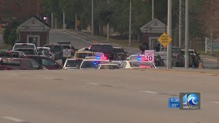 4 dead, including shooter, others taken to hospital after shooting at NAS Pensacola
