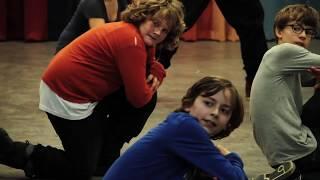 Wow! Na een breakdance workshop van een uur zetten deze leerlingen even een vette dans in elkaar!