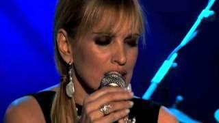 Ainhoa Arteta  interpreta La Golondrina junto a Javier Limon
