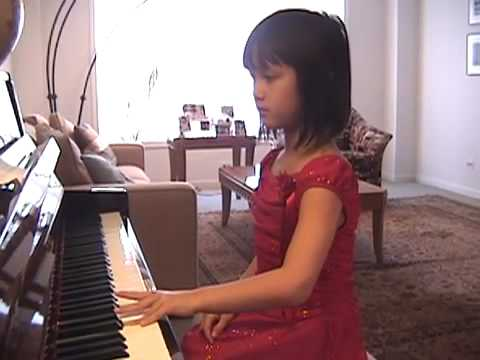 How to Play Jingle Bells on Piano