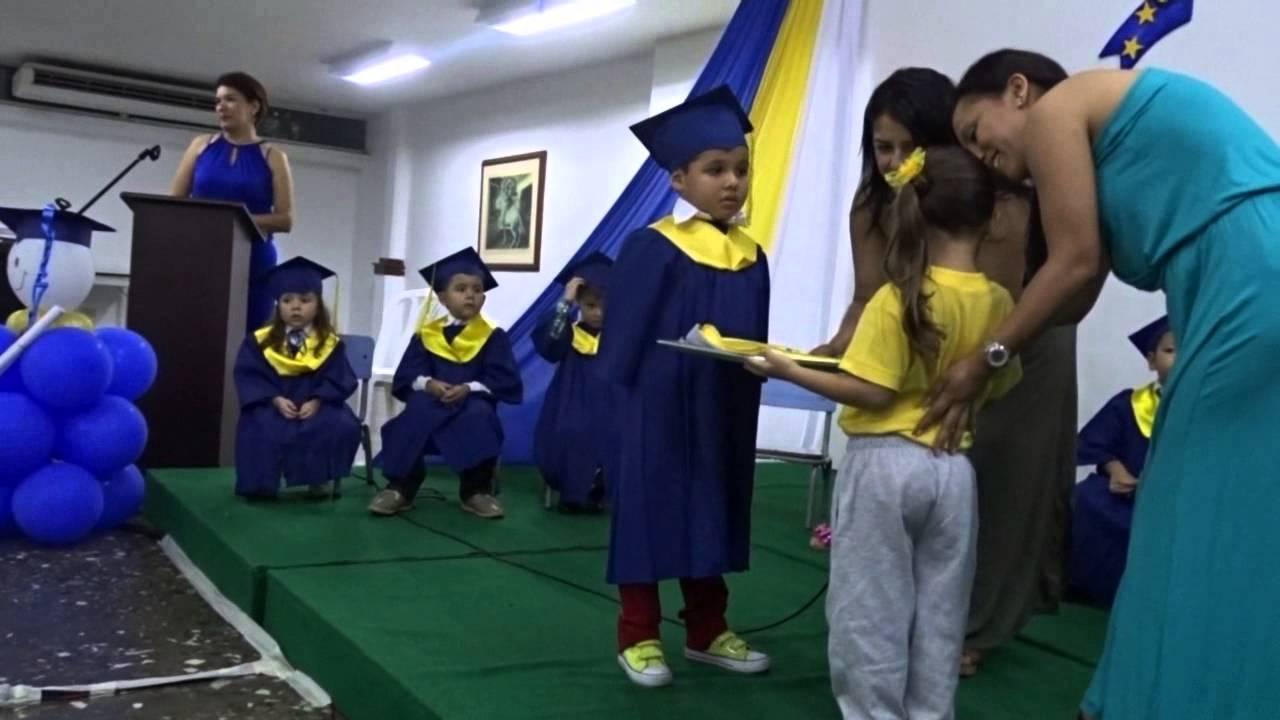 Graduaci n jardin infantil el peque o mundo junio 15 youtube for Jardin infantil