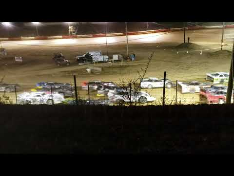 Beckley Motor Speedway 5.555 rize. Late cate Mega race 50 racers 27- one stood above all. Hornsby -