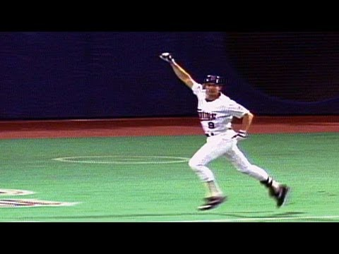 1991 WS Gm7: Larkin