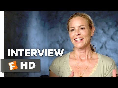Lights Out Interview - Maria Bello (2016) - Horror Movie