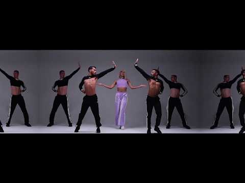 Смотреть клип Pabllo Vittar Feat. Charli Xcx - Flash Pose