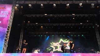 Albin feat Kristin Amparo - Din soldat @ RIX FM festival 2015 Göteborg