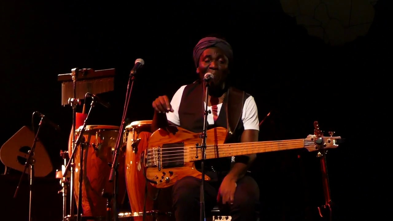 Richard Bona & Mandekan Cubano - 3 (La Villette Jazz Festival - Paris - September 2nd 2017)