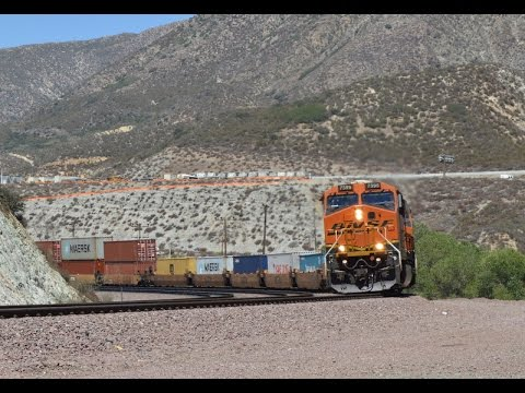 Railfanning the Cajon Pass with lots of BNSF meets and overhead shots