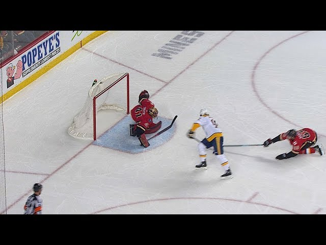 Mike Smith lays out for daring save on Ryan Johansen