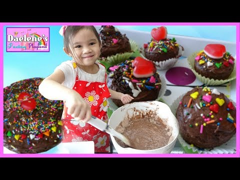 diy-valentines-cupcakes-and-chocolate-cake-baking-easy-recipes-for-kids-@daelenefp