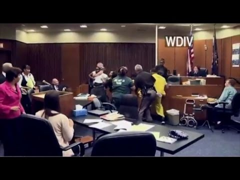 Father Attacks His 3-Year-Old Daughter's...