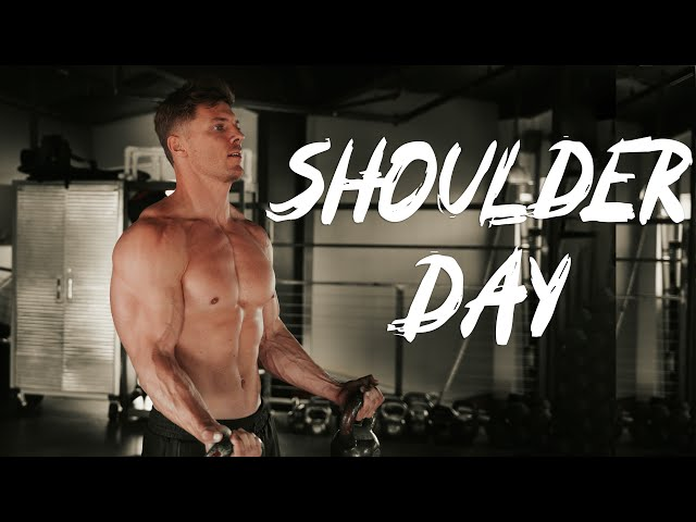 BodyBuilding at a CROSS-FIT Gym    💪🏼🏋🏼♂️