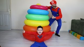 Yusuf Dev Renkli Halkalarla Oynadı! Learn Colors with Giant Ring Toss