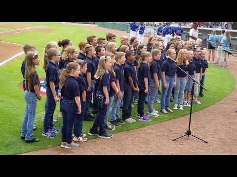 "Michigan Avenue Elementary School Chorus Sing ""The Star Spangled Banner"""