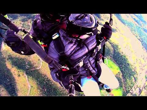Monica Silverman from Yardley, Pennsylvania paraglides off Woodrat Mountain in Oregon