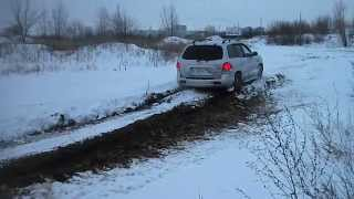 Hyundai Santa Fe Classic 2.7L V6 in snow