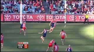 Tom Scully kicks a goal (Round 17, 2010 vs Sydney)
