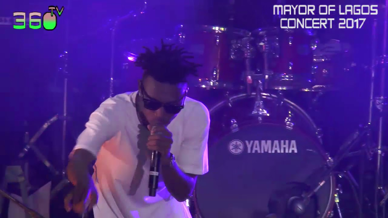 Download mayorkun performs  che che at his concert