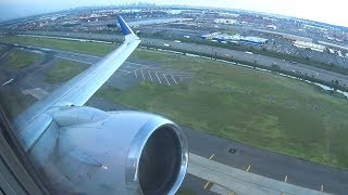 United Boeing 737-800 - Evening Takeoff from Newark Airport