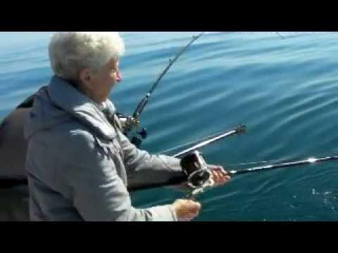 Charter fishing milwaukee report may 19 2010 youtube for Milwaukee charter fishing