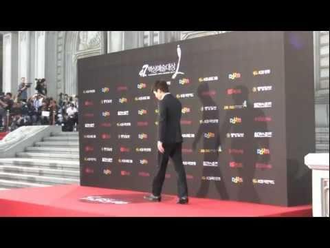 PaekSang Awards 2011 Jo Hyun Jae 趙顯宰,Lee Byung Hun 李炳憲 Redcarpet